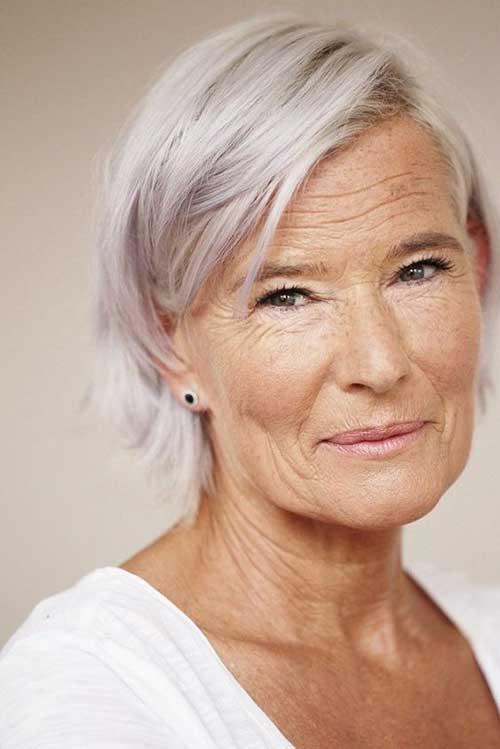 Bob Haircuts for Older Women-6