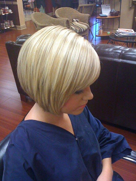 Bob Blonde Stacked Bobs Shade Line Highlights