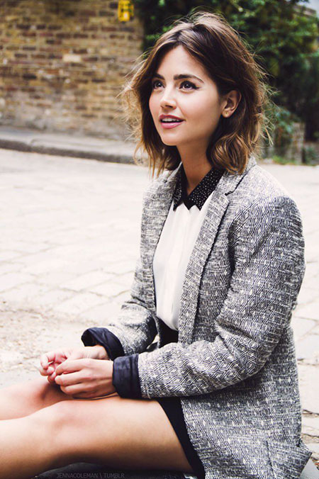 Jenna Coleman Some Knitting Garth Celebrities Brook