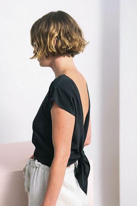 Elizabeth Zara Wavy Short Back