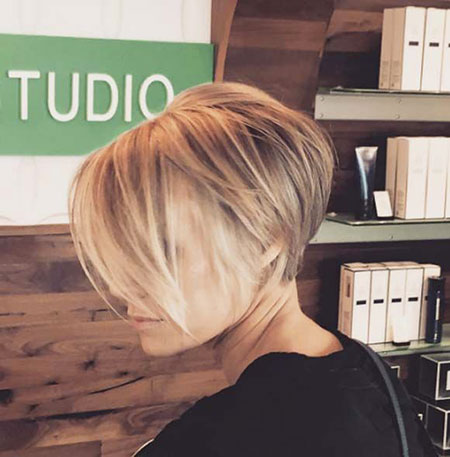 Bob Short Pixie Bobs Blonde Woman Soft Smooth Side