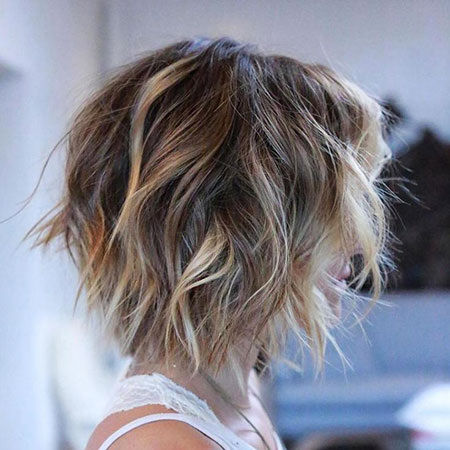 Balayage Brown Bob Shaggy Blonde Short Wavy Thin Some Locks