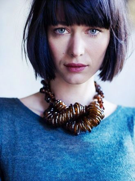 Bangs Bob Short Zooey Type Texture Sleek Locks Layered