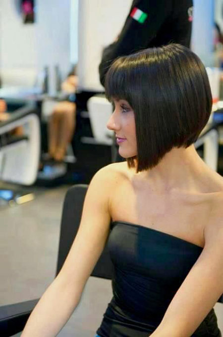 Graduated Bob Hairtyle with Fringe, Pixie Bob Classic Short