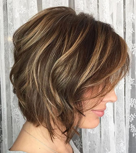 Wavy Bob, Bob Wavy Brown Highlights