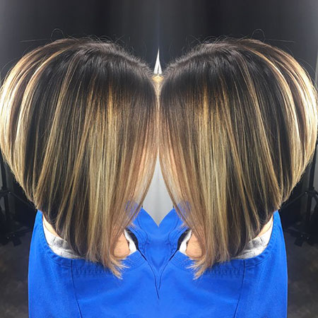 Bob Dark Blonde Stacked