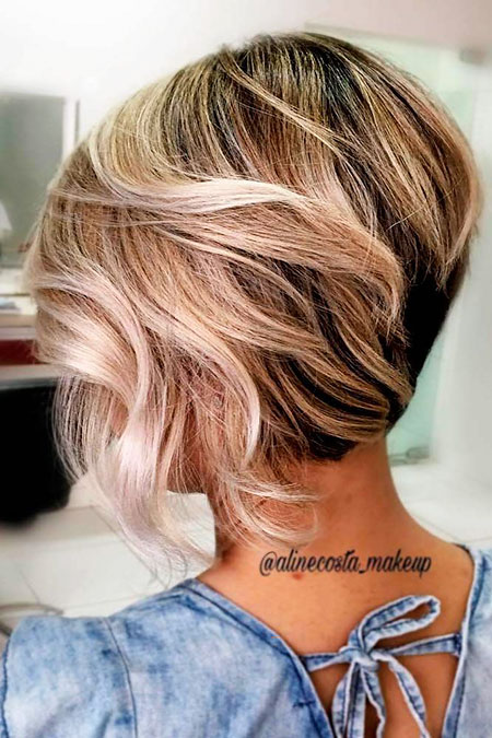 Blonde Bob Balayage Layered