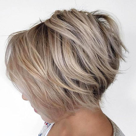 Bob Blonde Layered Fine