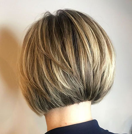 Layered Bob Short Blonde