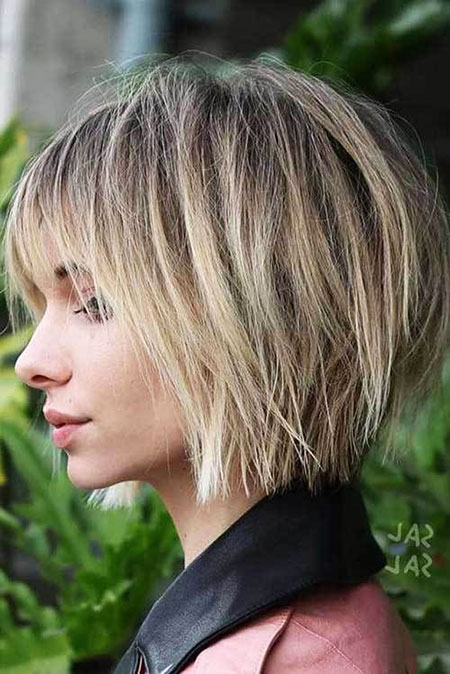 Bob Choppy Bronde Short