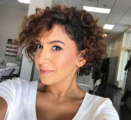Curly Short Hair 20