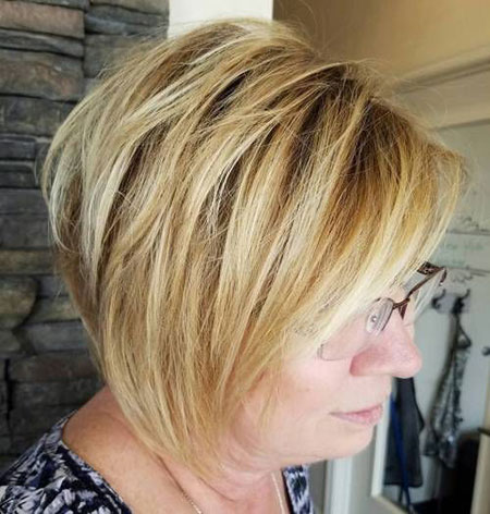 Short Layered Shag 50