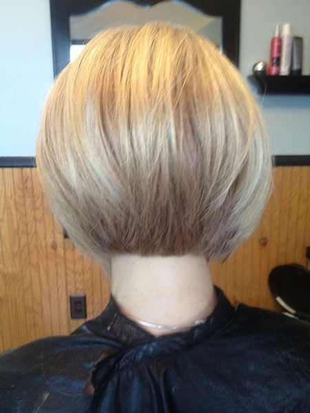 Bob Layered Short Bronde