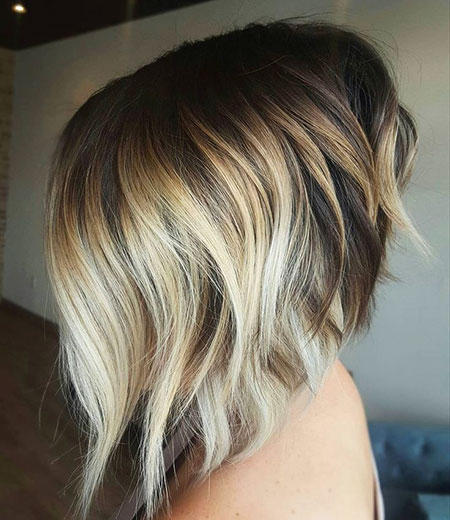 Blonde Bob Wavy Layered
