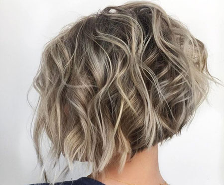 Ashy Blonde Choppy Bob, Bob Layered Tousled Short
