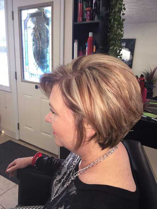 Bob Haircuts Blonde Highlights for Women Over 40-15
