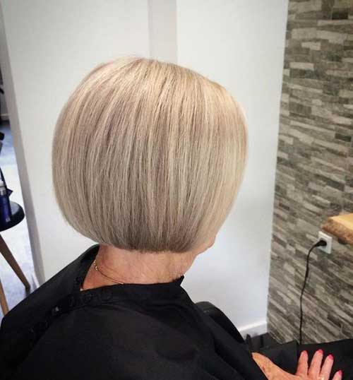 Easy Blonde Bob Hairstyles for Women Over 50-8
