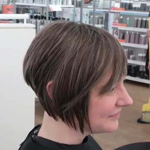 Layered Bangs Choppy Bob Hairstyles-9